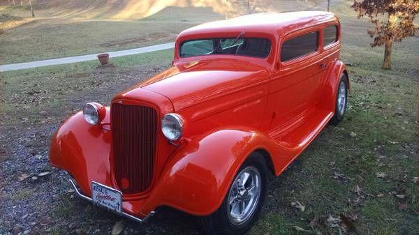 1935 Chevrolet Sedan 1
