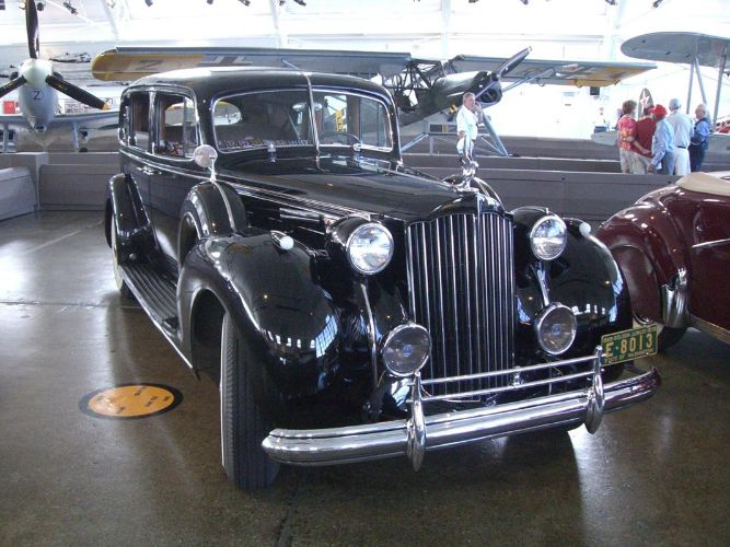 1939 Packard 1708 Long Touring
