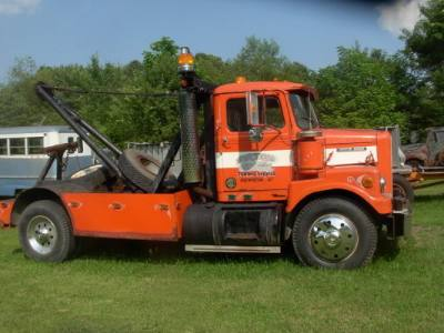 1969 White 9500TB Wrecker