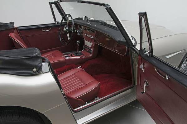 1966 Austin Healey 3000 13