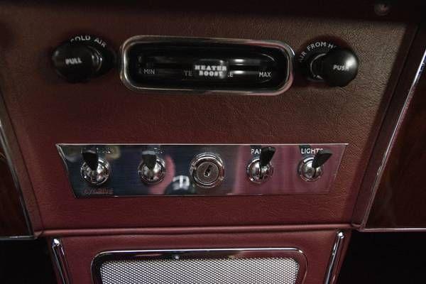 1966 Austin Healey 3000 14