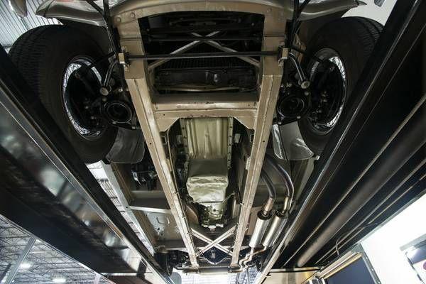 1966 Austin Healey 3000 24