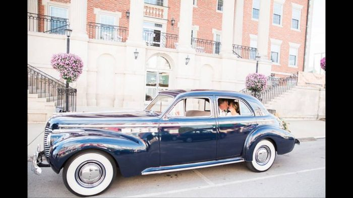 1940 Buick Roadmaster 6