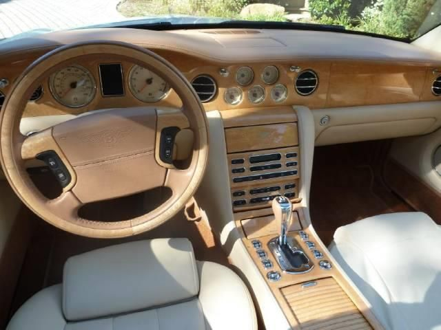 2007 Bentley Azure 9