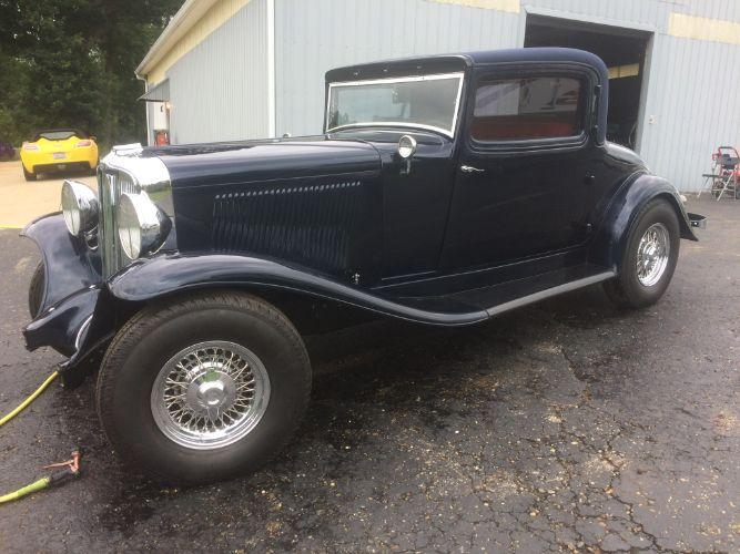 1932 Auburn Sedan