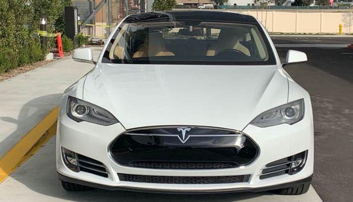 2013 Tesla Model A