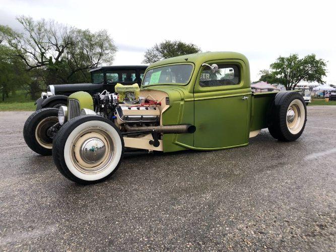1935 Ford Custom Pickup