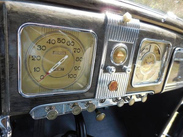 1938 Chrysler Royal 15