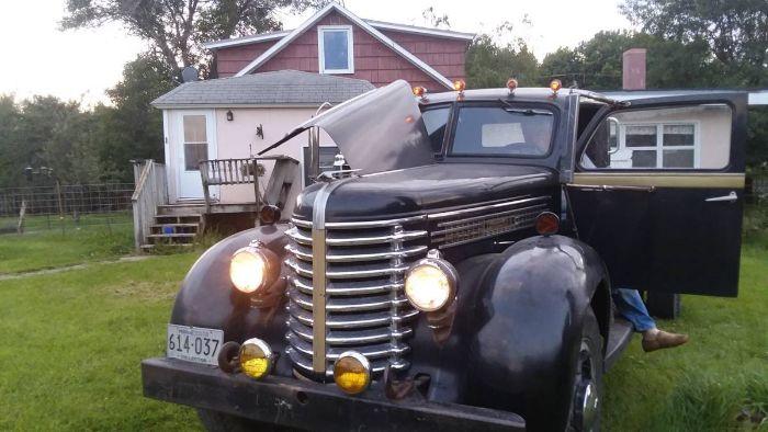 1947 Diamond T 614