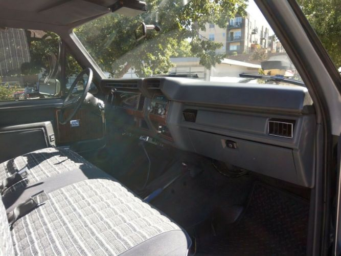 1984 Ford F350 9