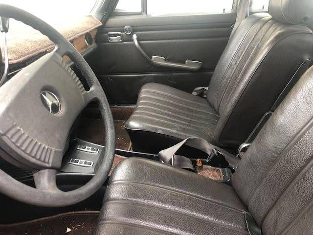 1971 Mercedes Benz 250E 5