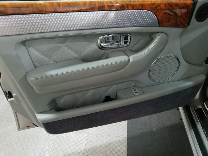 2003 Bentley Arnage 3