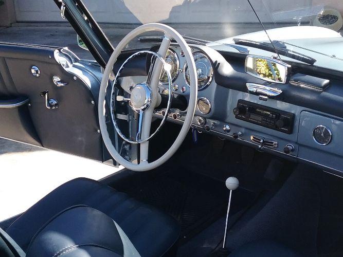 1960 Mercedes Benz 190SL 3
