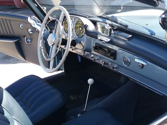 1960 Mercedes Benz 190SL 4