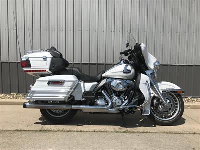 2013 Harley-Davidson FLHTCU Ultra Classic Electra Glide
