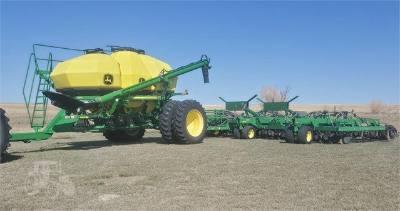 2012 John Deere 1895 drill & cart