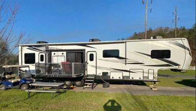 2020 Jayco Seismic 4113 5TH Wheel