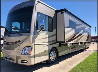 2016 Fleetwood Discovery 40E Motorcoach