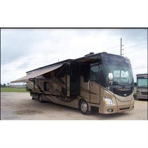 2015 Fleetwood Discovery 40G Motorcoach