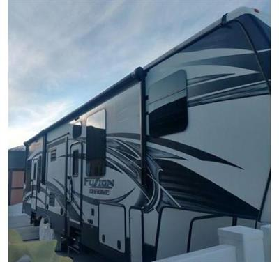 2015 Keystone Fuzion 5TH Wheel