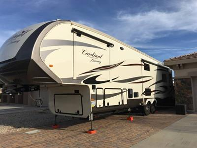 2019 Forest River Cardinal 5TH Wheel