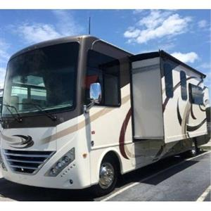2018 Thor Hurricane Motorcoach