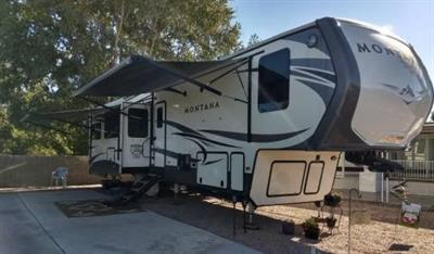 2018 Keystone Montana 5TH Wheel Package