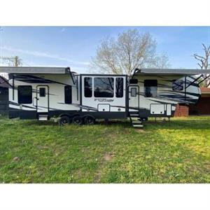 2019 Keystone Fuzion 419 N 5TH Wheel