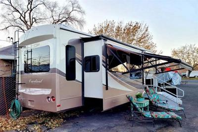 2016 Forest River Cardinal 5TH Wheel M-3850RL
