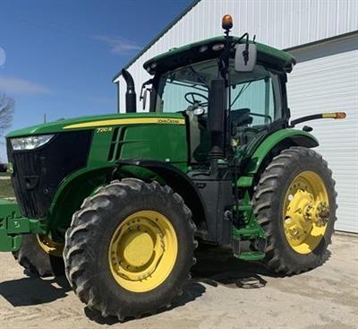 2017 John Deere 7210 Tractor