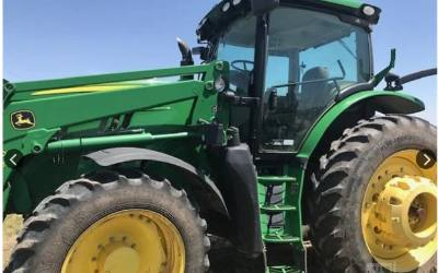 2013 JOHN DEERE 6190R TRACTOR WITH LOADER