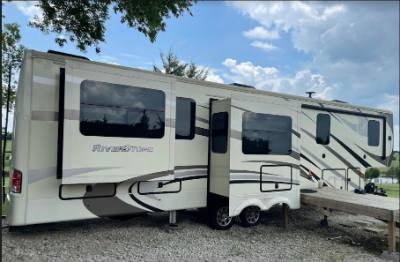 2019 FOREST RIVER RIVERSTONE 37MRE 5TH WHEEL