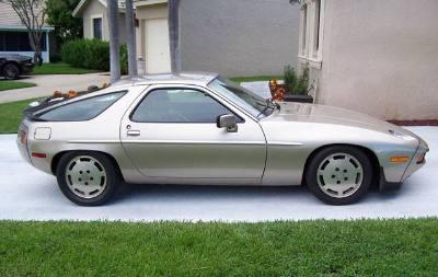 1985 PORSCHE 928 S 2 DOOR COUPE