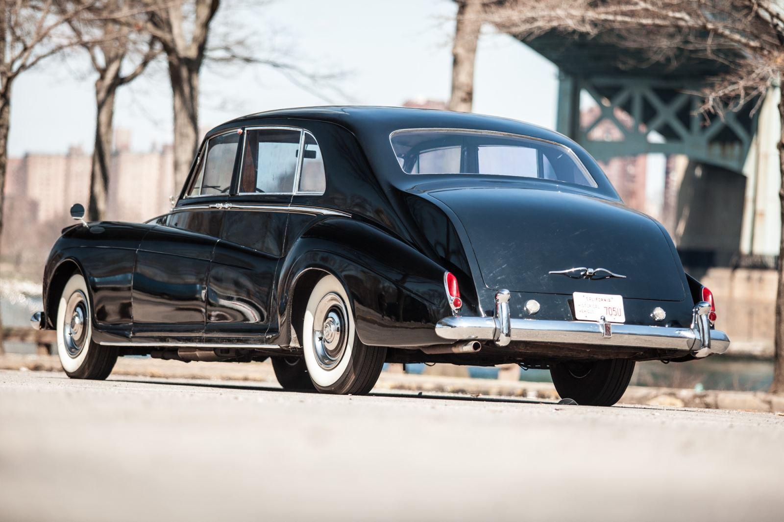 Sell Classic Rolls Royce Phantom V | Call Gullwing Motor if Vintage Rolls Royce Phantom V For Sale